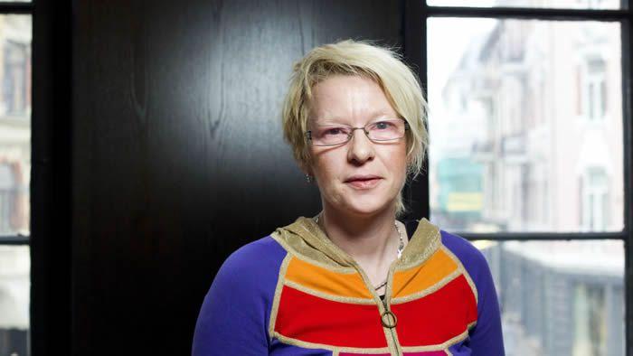 Forfatteren, dramatikeren og regissøren Beate Grimsrud er død, 57 år gammel. Hun døde 1. juli i Stockholm etter en tids sykdom. Her er hun fotografert i 2010 i forbindelse med lanseringen av romanen «En dåre fri». Foto: Berit Roald / NTB scanpix