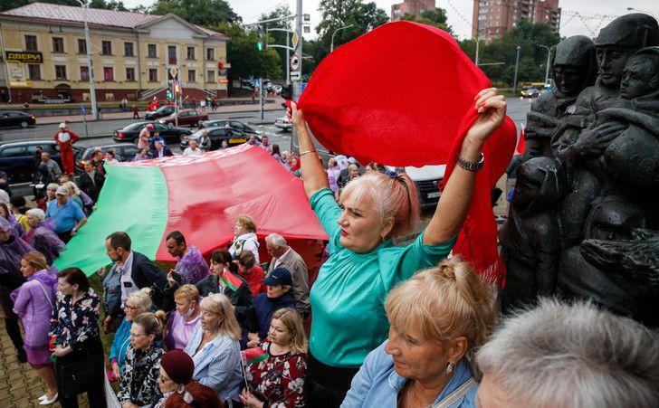 Des manifestants pro Alexandre Loukachenko se réunissent, ici à Minsk, le 19 août 2020. Tatyana Zenkovich/EPA/MaxPPP