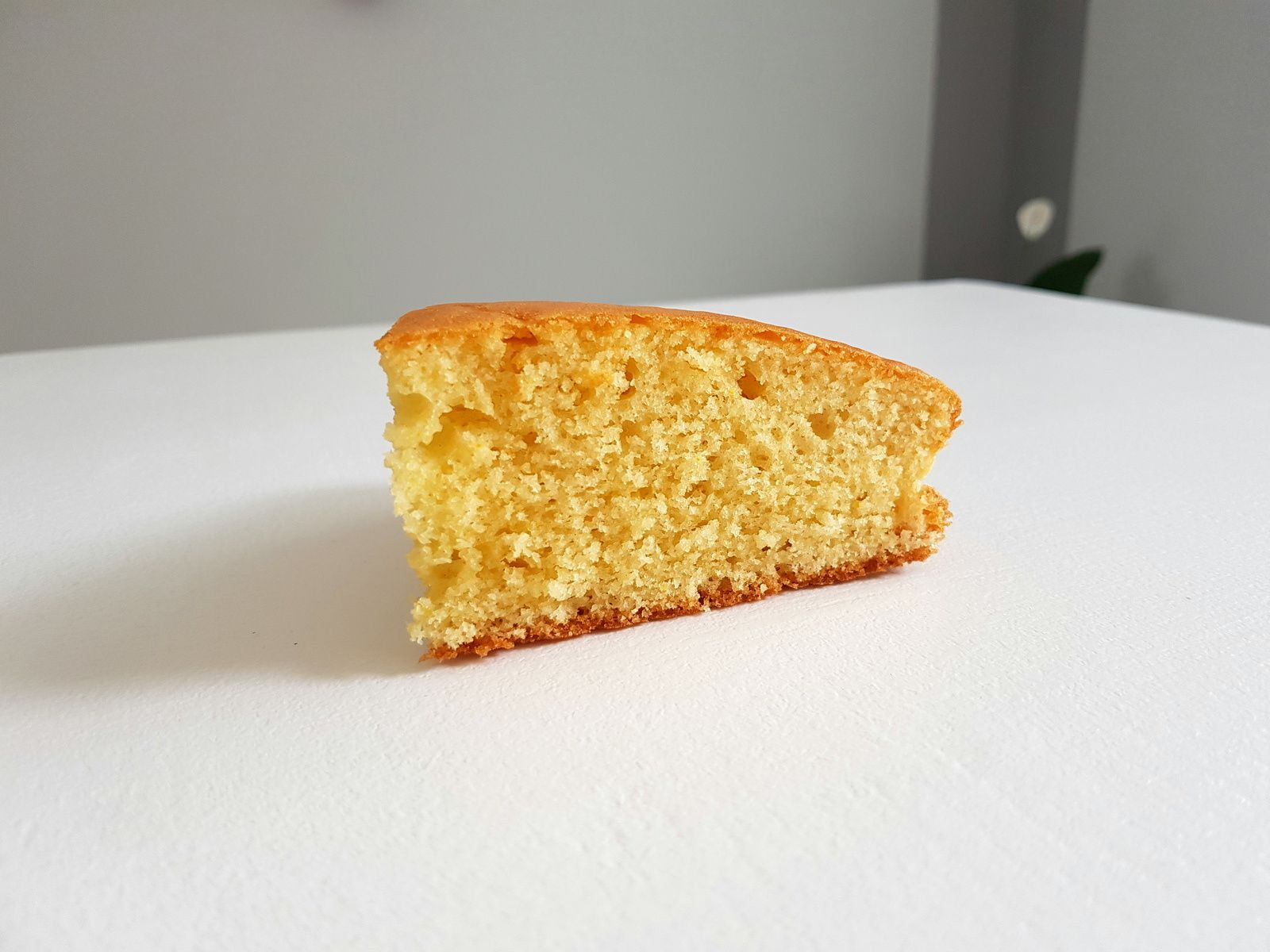 Gâteau moelleux au citron, orange