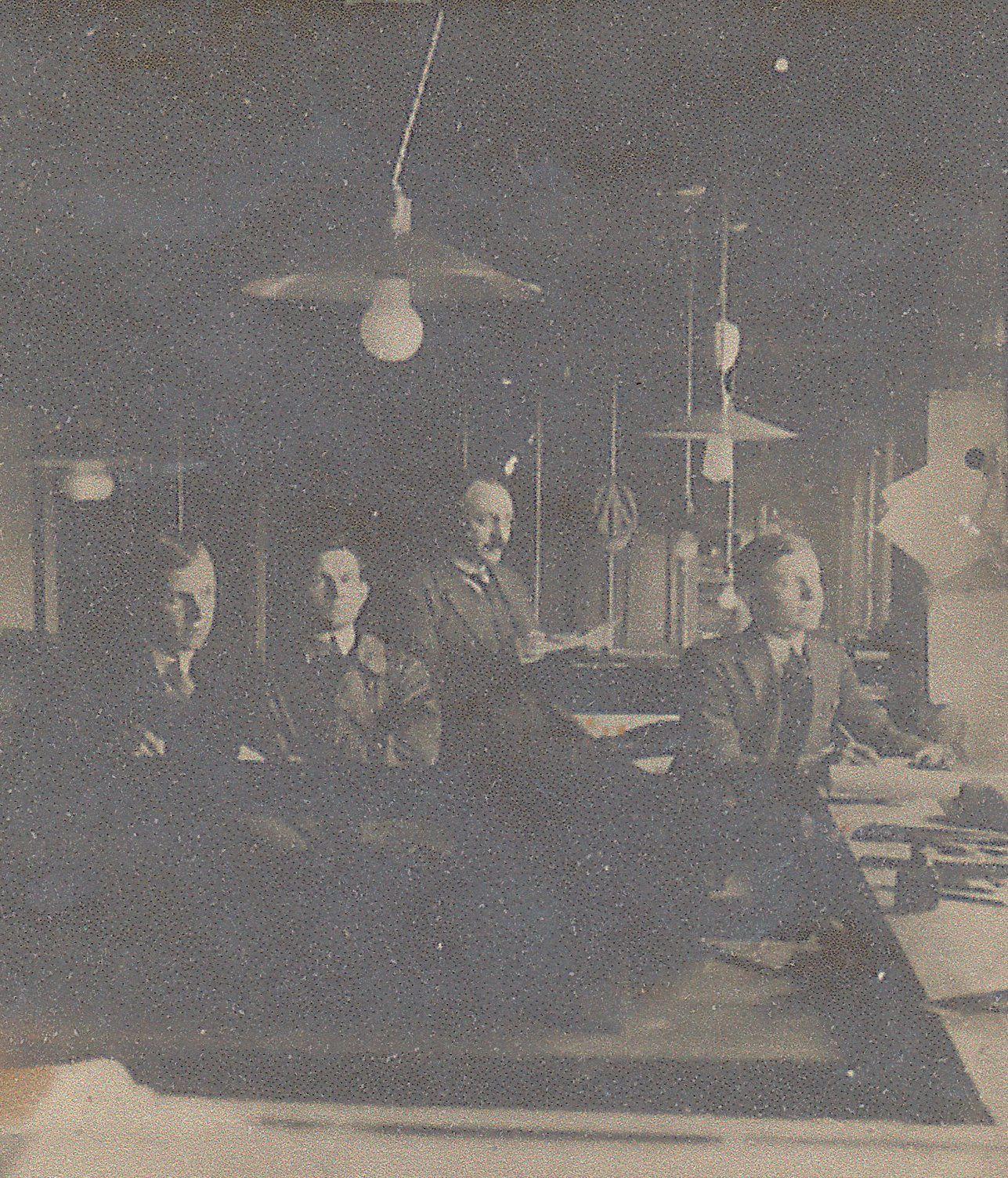 Photos  de certains membres de la famille DAMS à la Verrerie d'en Haut , à vous de les reconnaitre ...