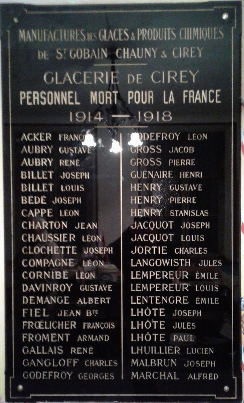 Plaques commémoratives à Cirey