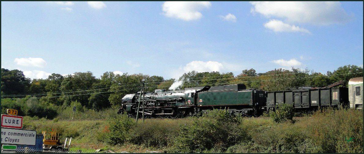 Une locomotive à vapeur traverse la Haute-Saône...