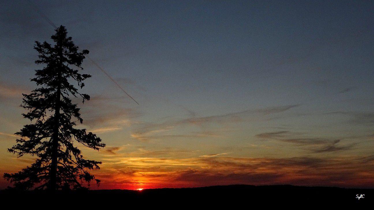 Fin du coucher de soleil en Suisse - 6 photos