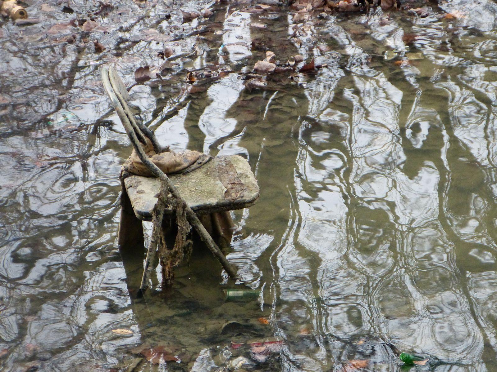 Ils ont fauché l'eau du canal  !