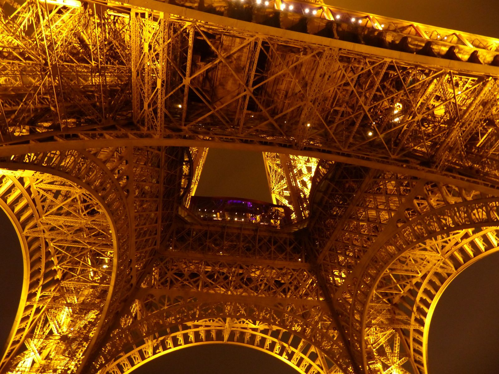 Merci à mon frère Gustave Eiffel, pour ces moments de pur bonheur....et ces lumières sur Paris.