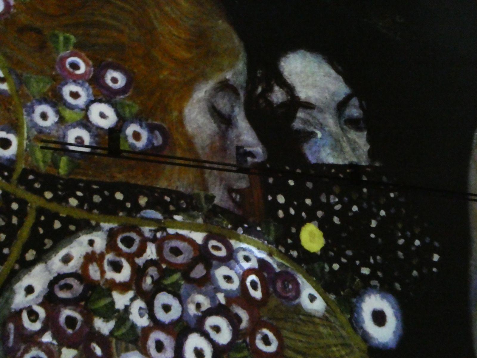 c'est à l'Atelier des lumières 38 rue St Maur 75011 PARIS....c'est à vivre = une immersion dans l'art !