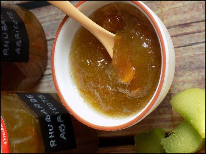 Confiture rhubarbe-abricots