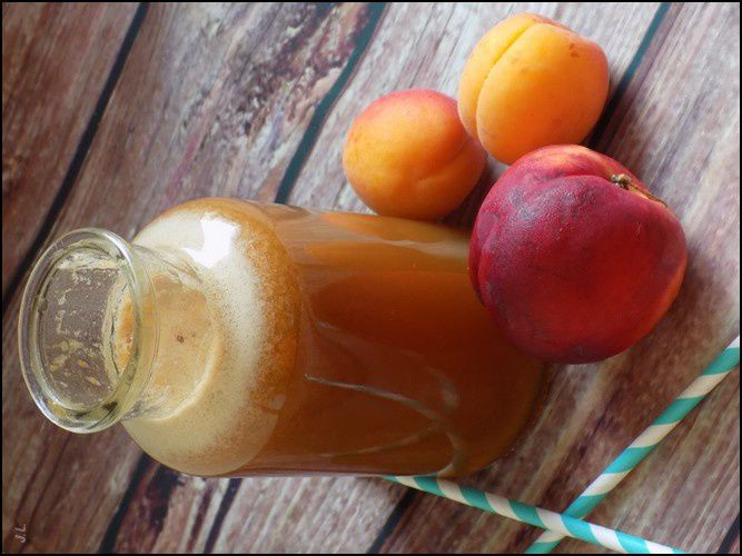 Smoothie abricots pêches pommes