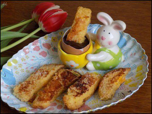 Oeufs au chocolat et mouillettes de pain perdu