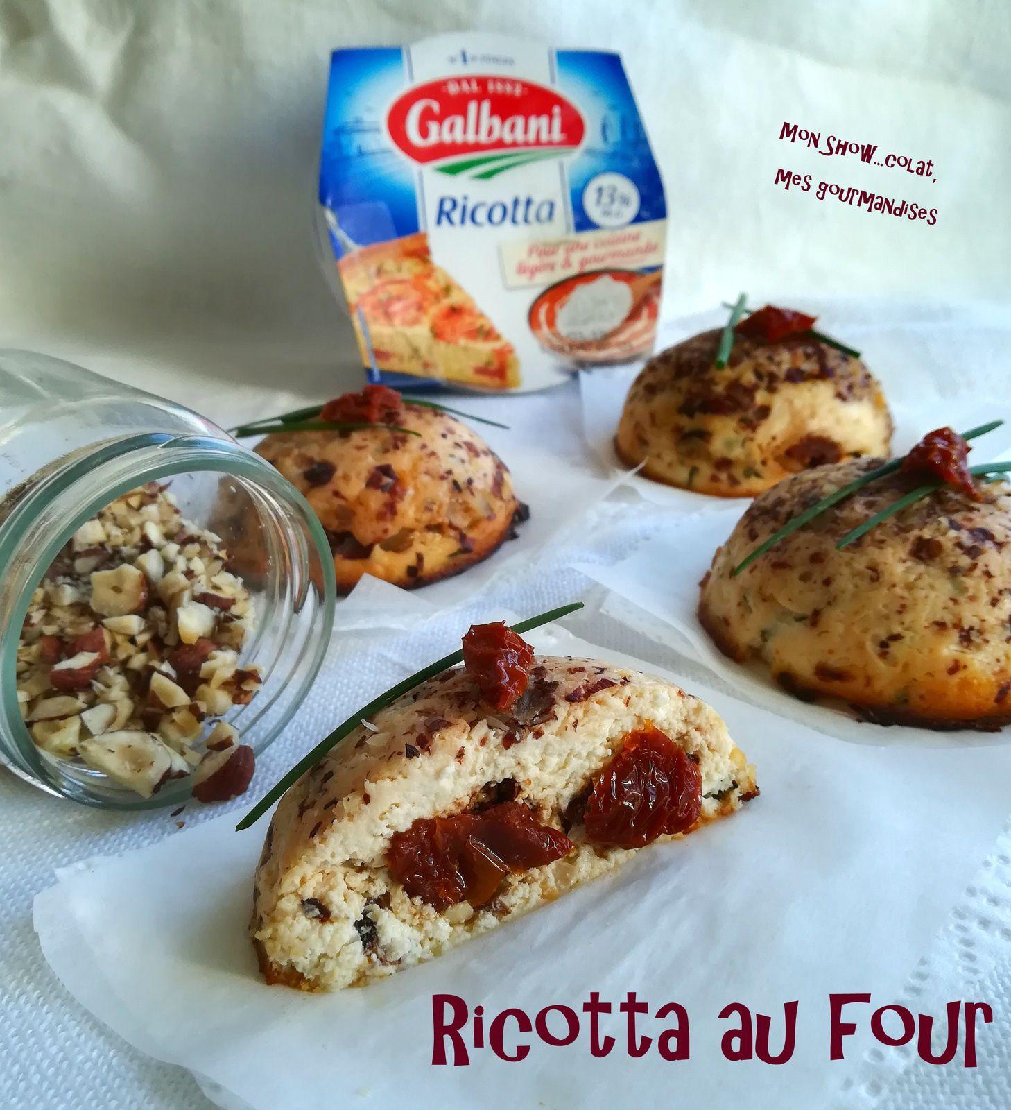 Dômes de Ricotta au miel, tomates sechées et noisettes, cuits au four.