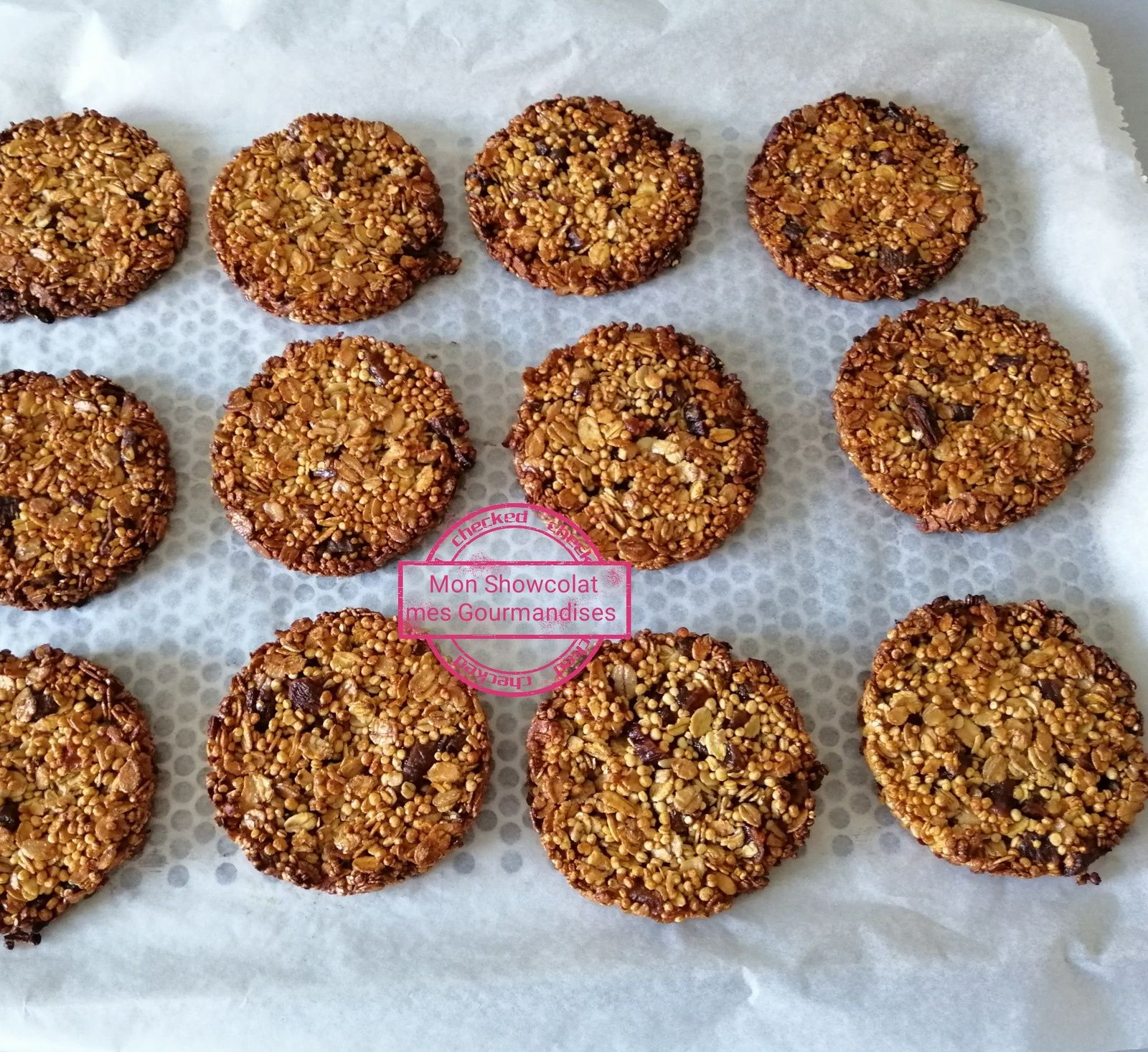 Galettes au quinoa soufflé, flocons d'avoine et chocolat
