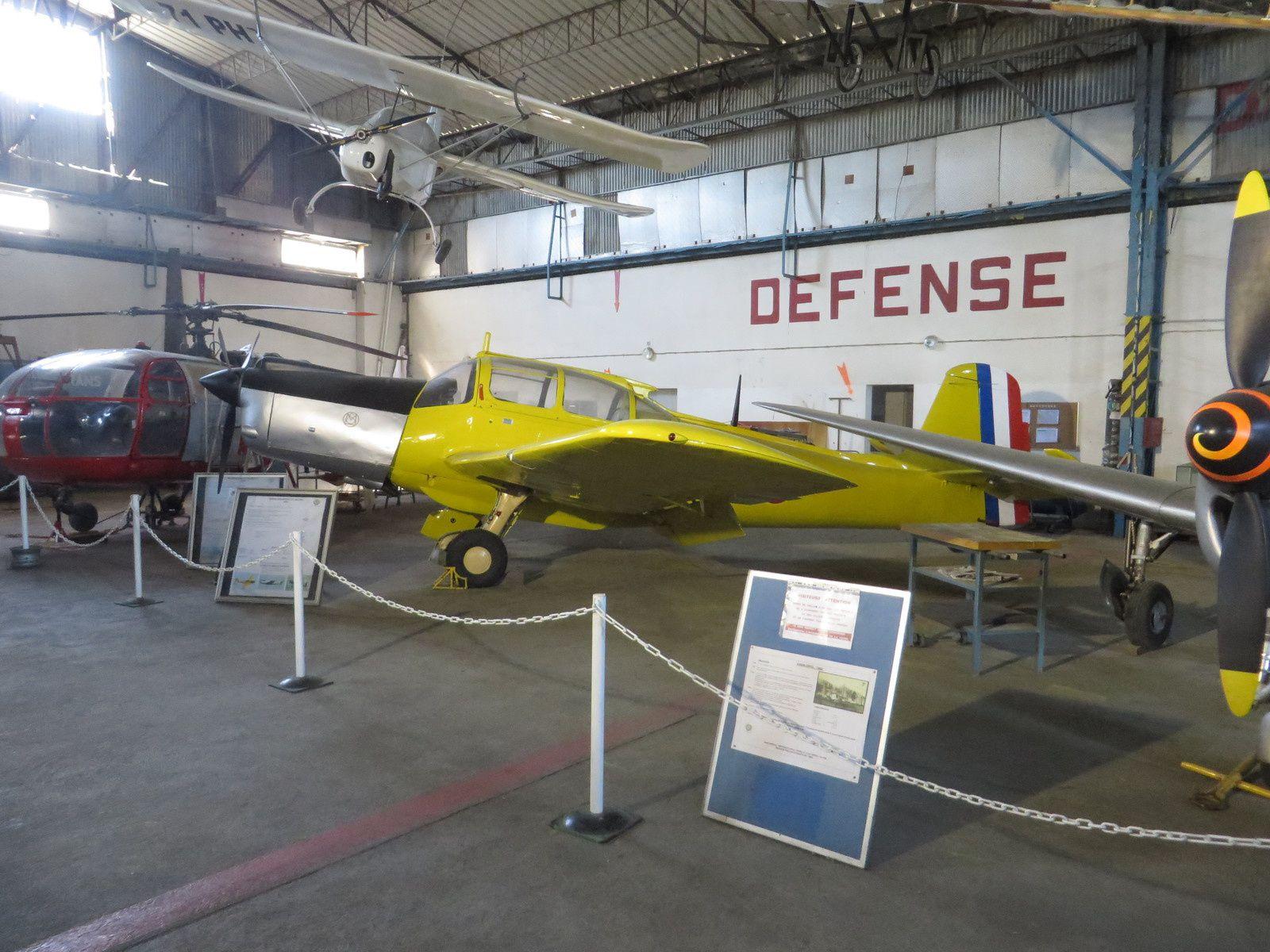 quelques photos de ces avions superbement entretenus par une centaine de bénévoles qui vous guideront dans un espace tout entier consacré aux appareils françaiss