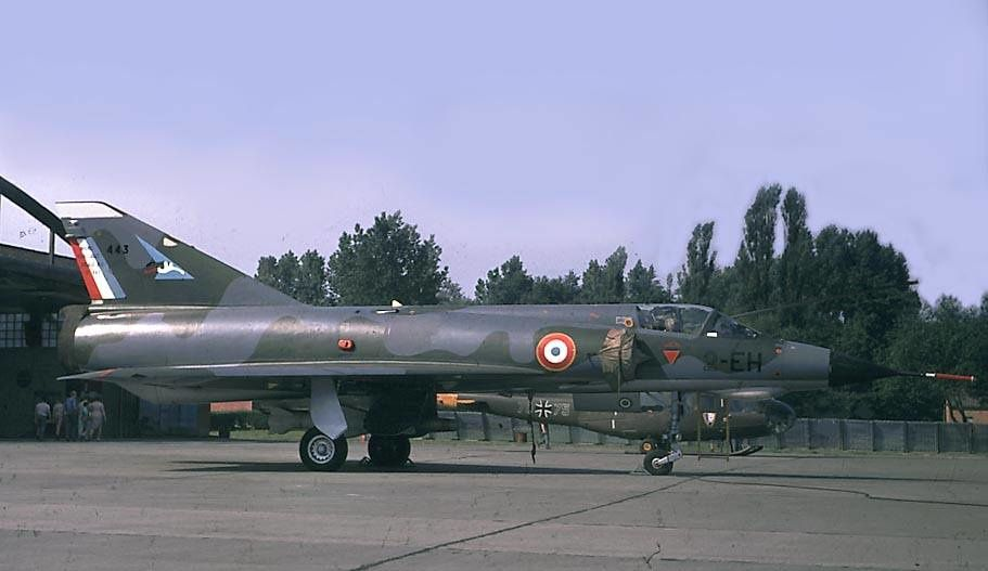 Jean de Saxce nous raconte son éjection consécutive à une collision en vol lors d'une mission d'interception à haute altitude sur le Mirage IIIE numéro 443 (photo)