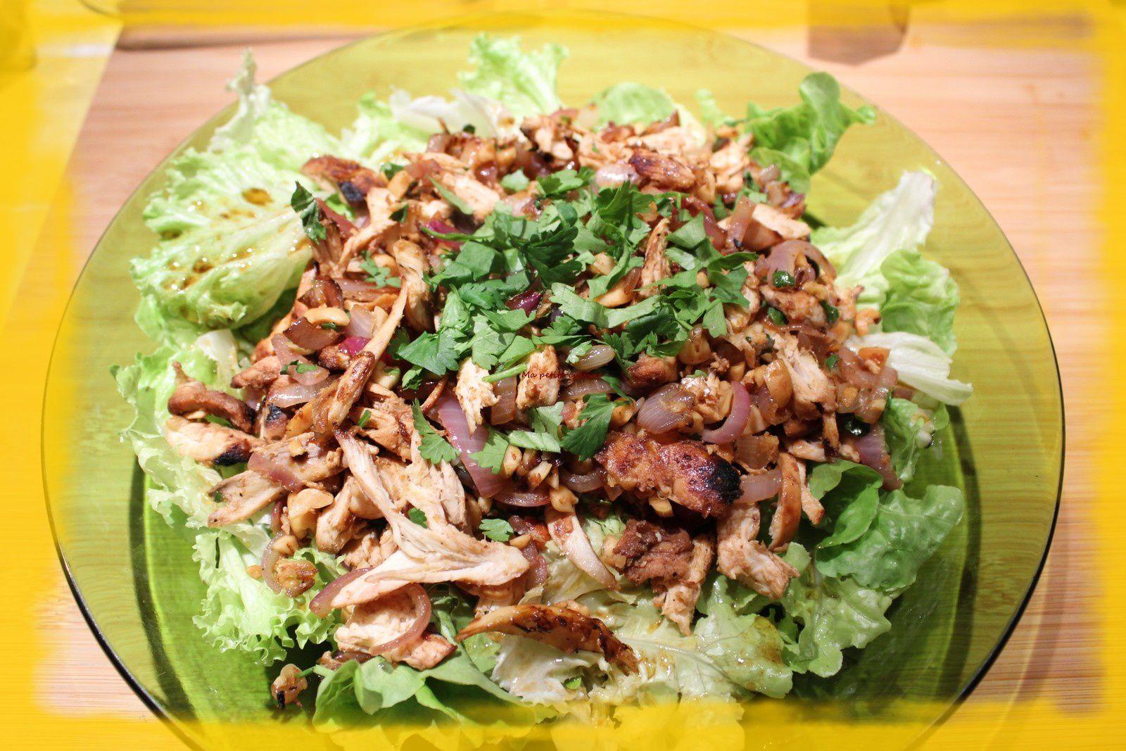 Salade façon asiatique avec restes de poulet