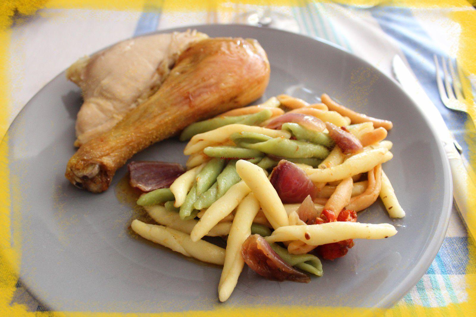 Poulet rôti, tomates et oignons