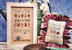 """3ème prix : grille originale Lizzie Kate """"Faith - Hope - Love"""""""