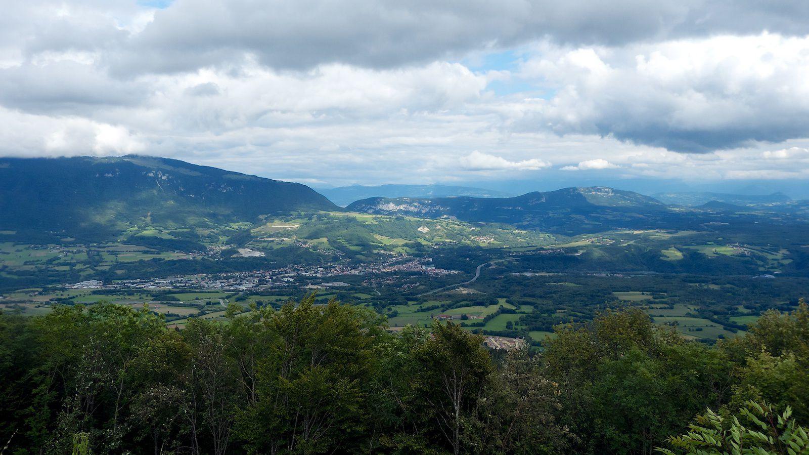 Le plateau CATRAY Altitude 1050m 25KM à l'est de Nantua