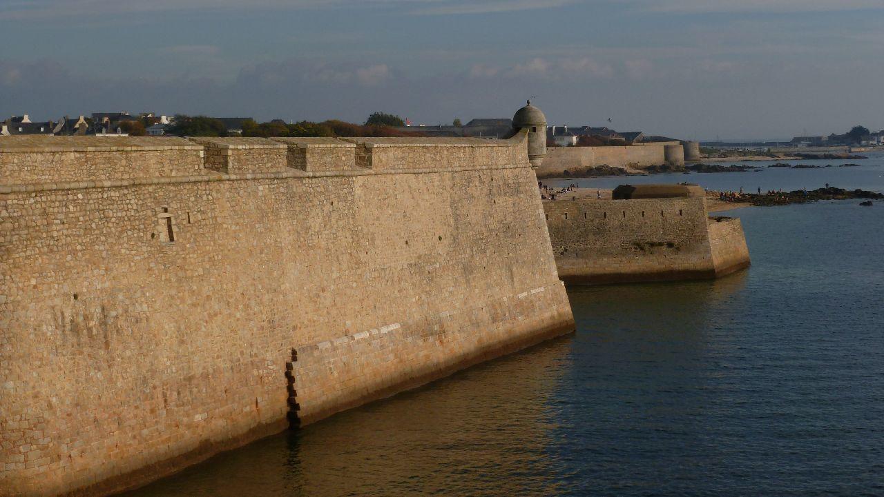 Citadelle de Port Louis protégeant Lorient.