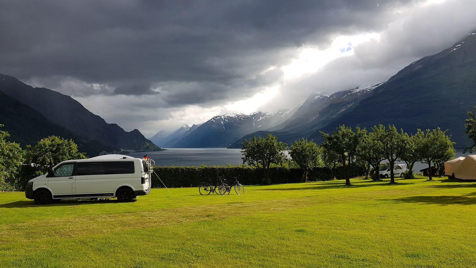 Ce soir nous campons près du premier Fjord....