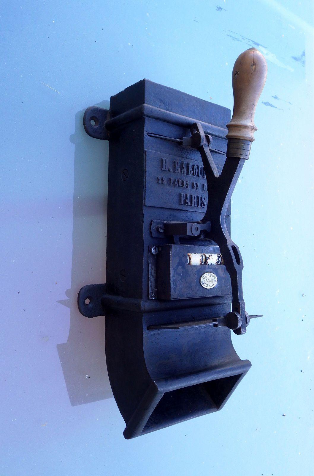 Ancien Distributeur pour écurie de luxe fin du XIX° siècle