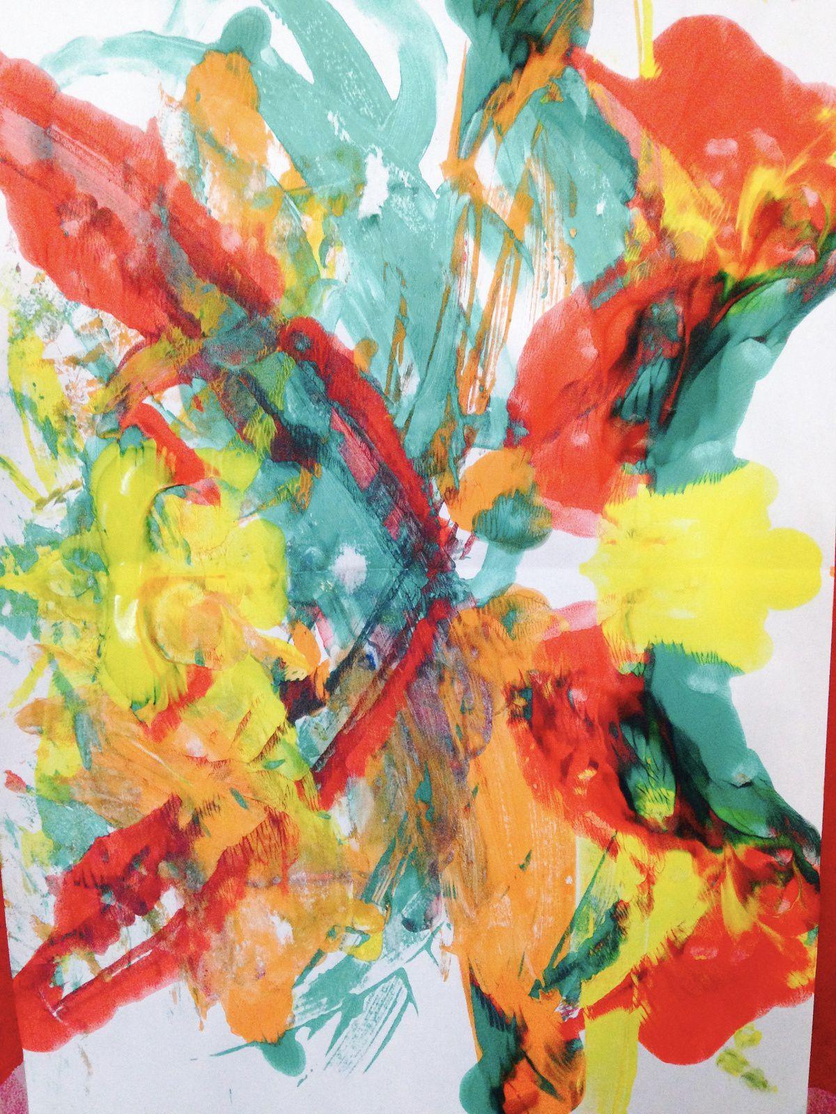 Une peinture surprise (de saison), réalisée par pliage (avec des enfants d'âge préscolaire)