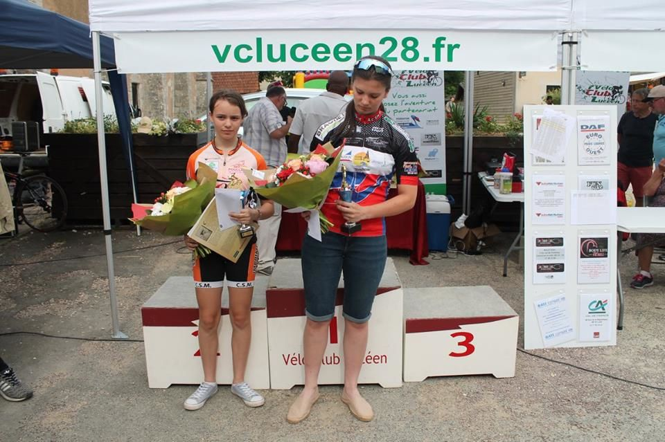 Podium féminines course minimes - sourse photo = compte facebook Michel Vautelin