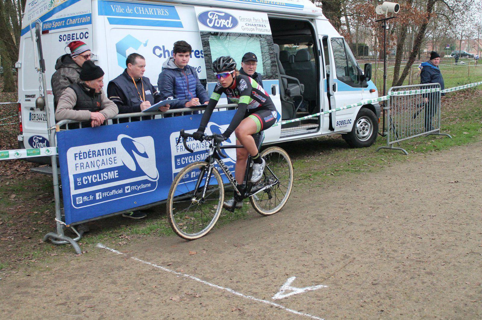 Victoire de Pascaline Duchesne (CCC) au cyclo-cross dames du Coudray (28)