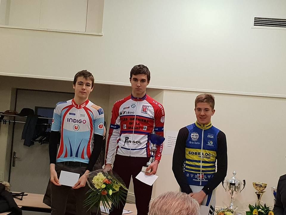 Le podium des juniors au cyclo-cross du Coudray (28)