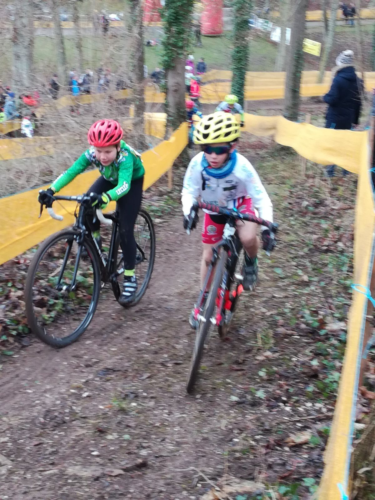 Les résultats des jeunes de l'école de cyclisme du Dreux CC au cyclo-cross de Ménilles (27)