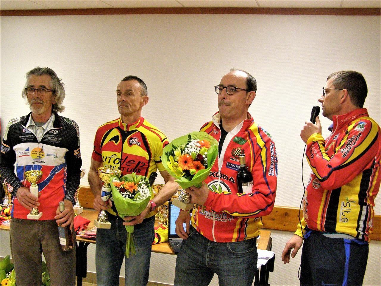 Album photos des podiums du championnat 28 UFOLEP de Marsauceux du 19 mai