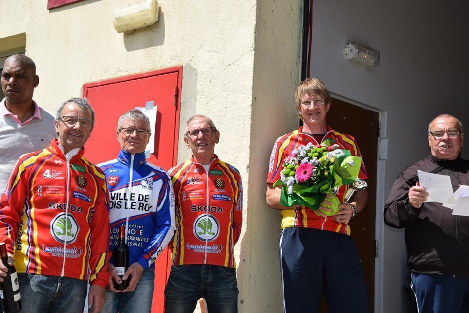 Le 10 mai 2015 en UFOLEP GS à Bois le Roy : victoire de Jean-Pierre David