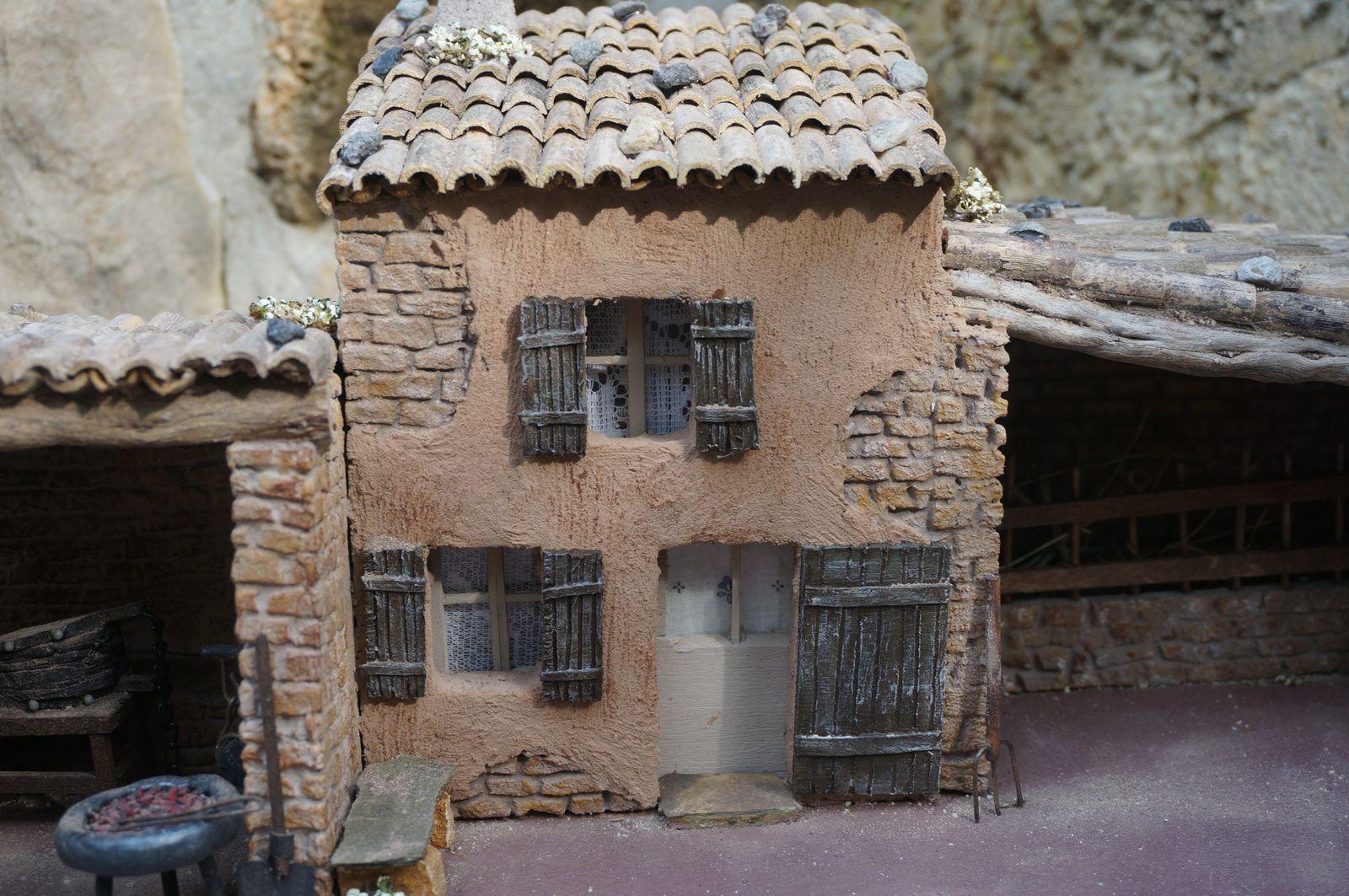 une bastide, atelier du marechal ferrand et étable