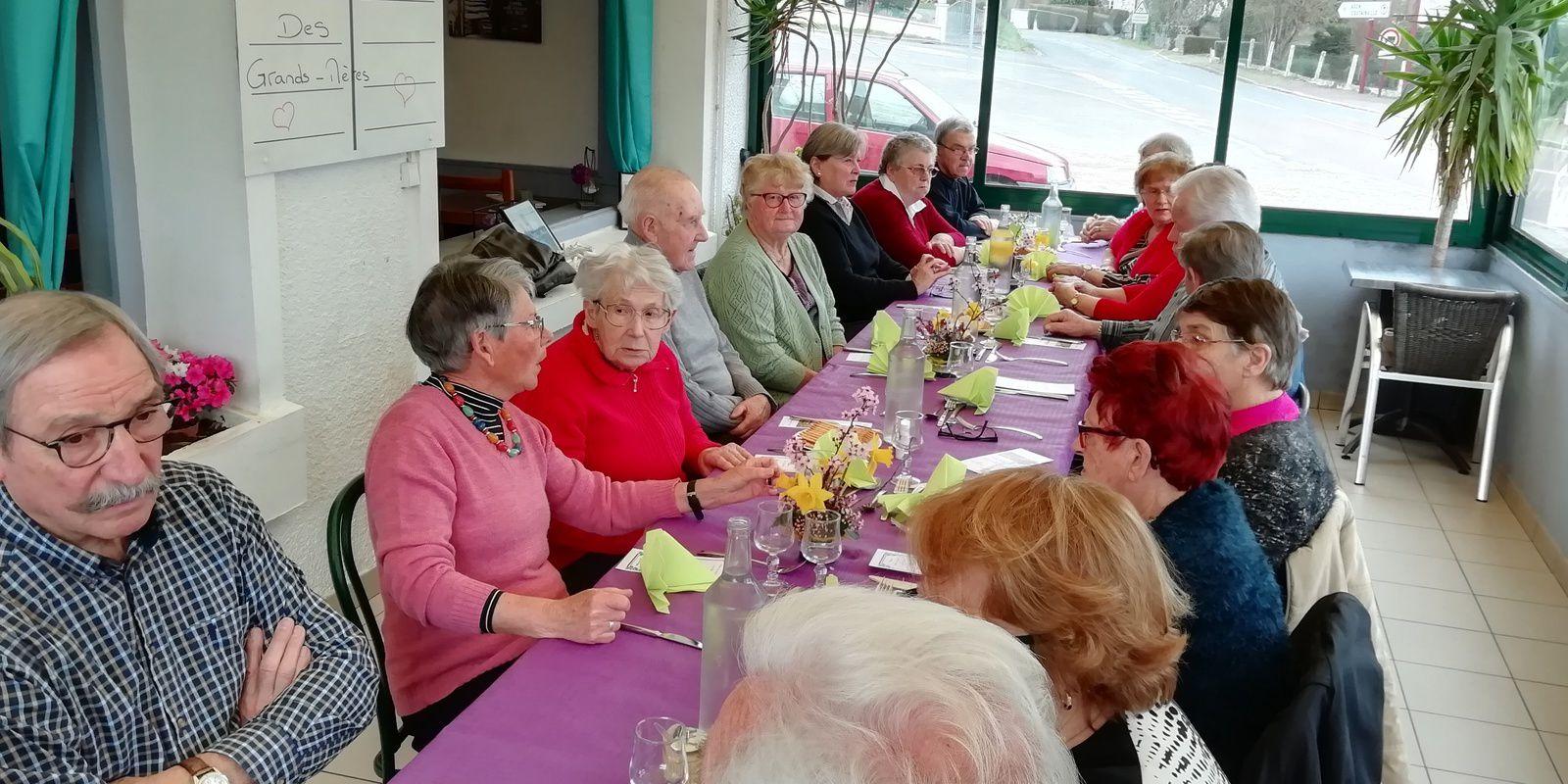 Le traditionnel repas des aînés offert par la commune.