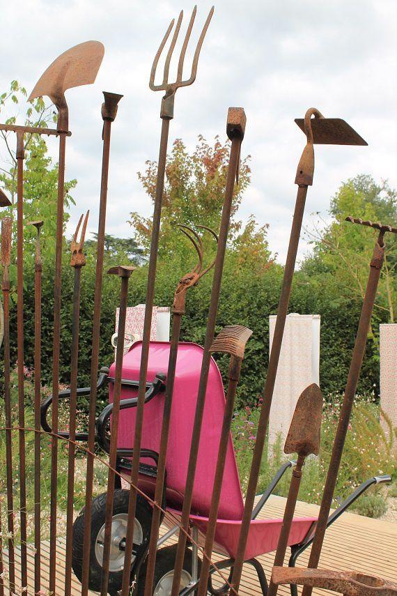 Un trône sur mesure pour jardinier noble