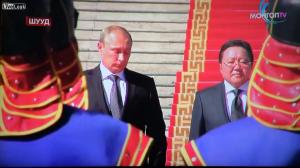 Images rares d'un Poutine qui pleure en écoutant l'hymne national