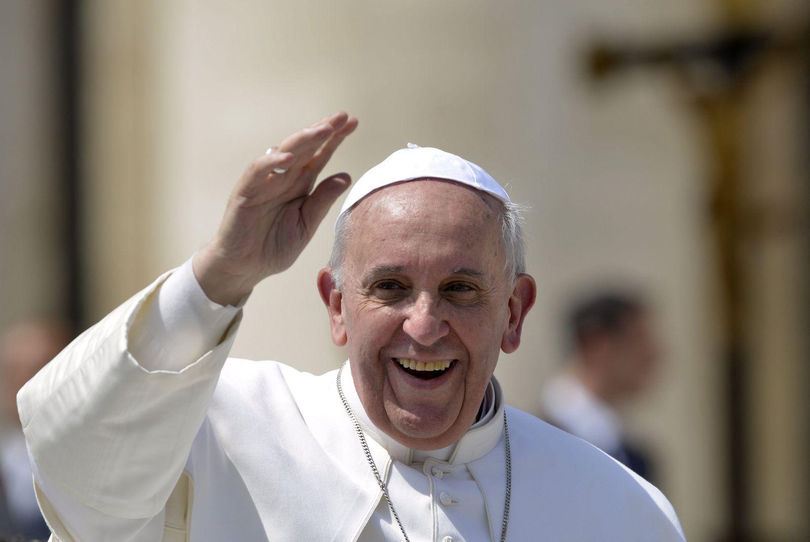 Le Pape François, cet imposteur …