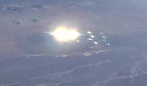 Le passager d'un vol d'American Airlines a photographié un Ovni au dessus de Gabbs, Nevada, Octobre 2015