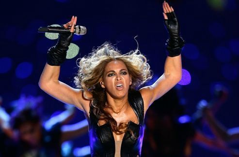 Pourquoi Beyonce veut faire disparaitre les photos de sa demoniaque prestation au super bowl