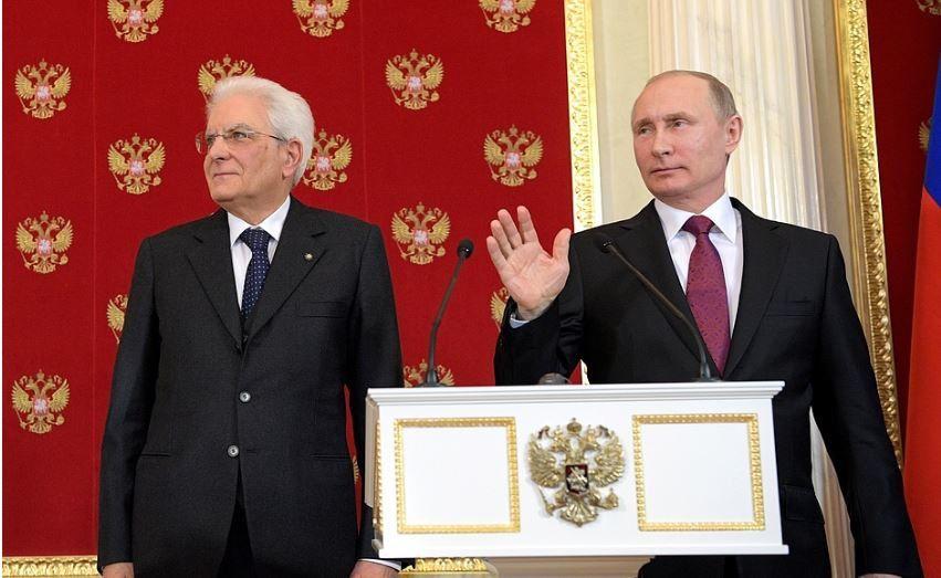 Vladimir Poutine: «On s'apprête à balancer d'autres substances chimiques et à en accuser les autorités syriennes».