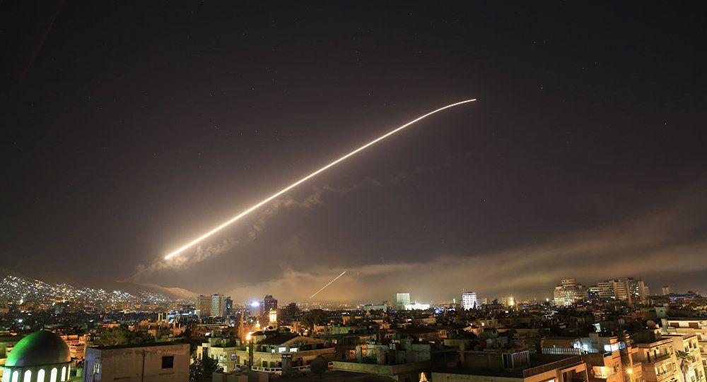 """Syrie : Après la mise en scène """"chimique"""", la comédie des frappes"""