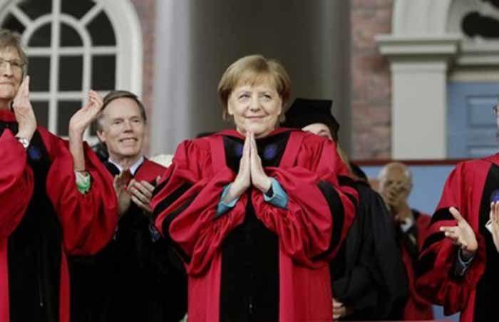 Merkel reçoit un doctorat honorifique de l'université de Harvard pour ses efforts en faveur des migrants
