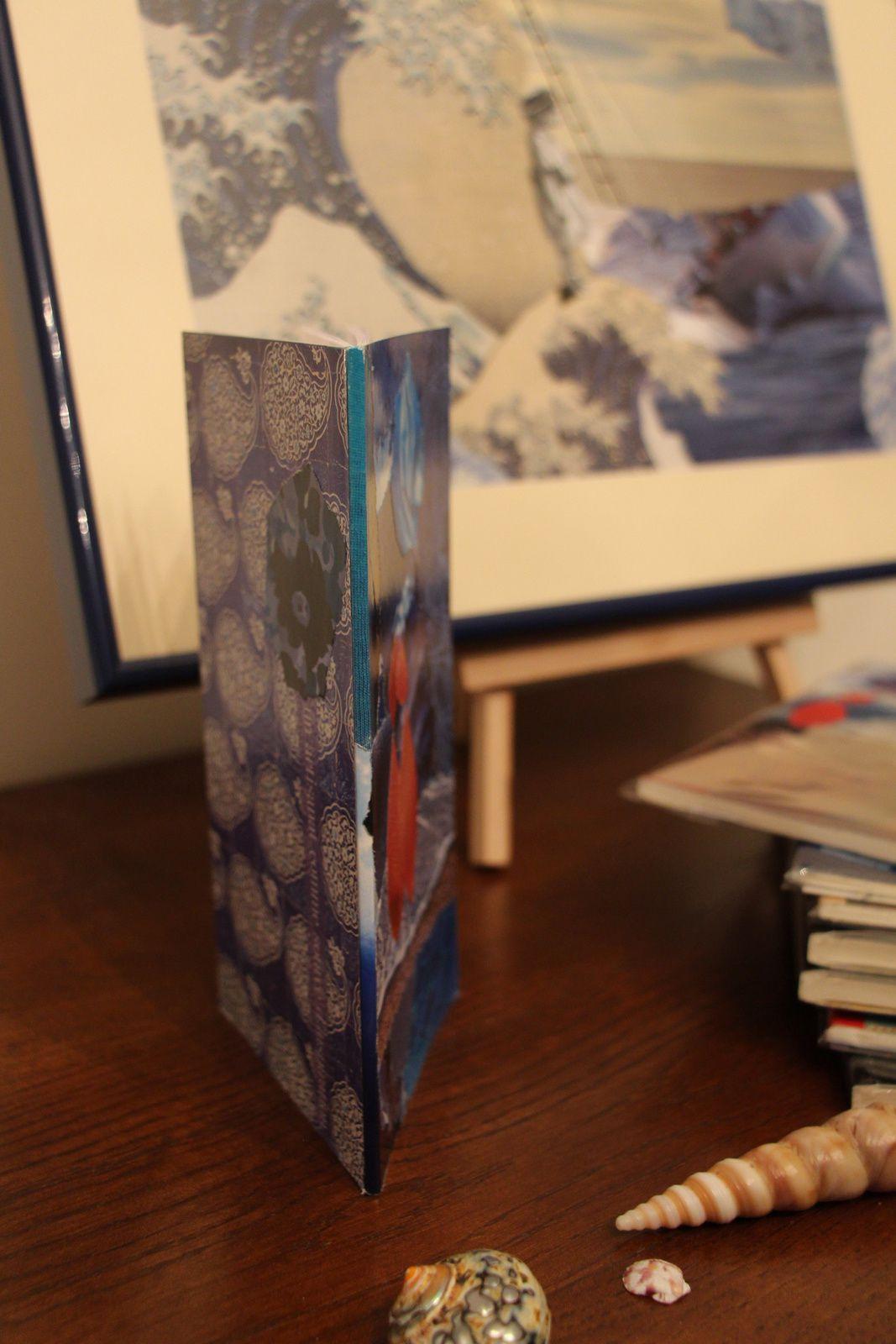 """Les Collages d'eMmA MessanA, carnet """"C'est écrit"""", pièce unique © eMmA MessanA"""