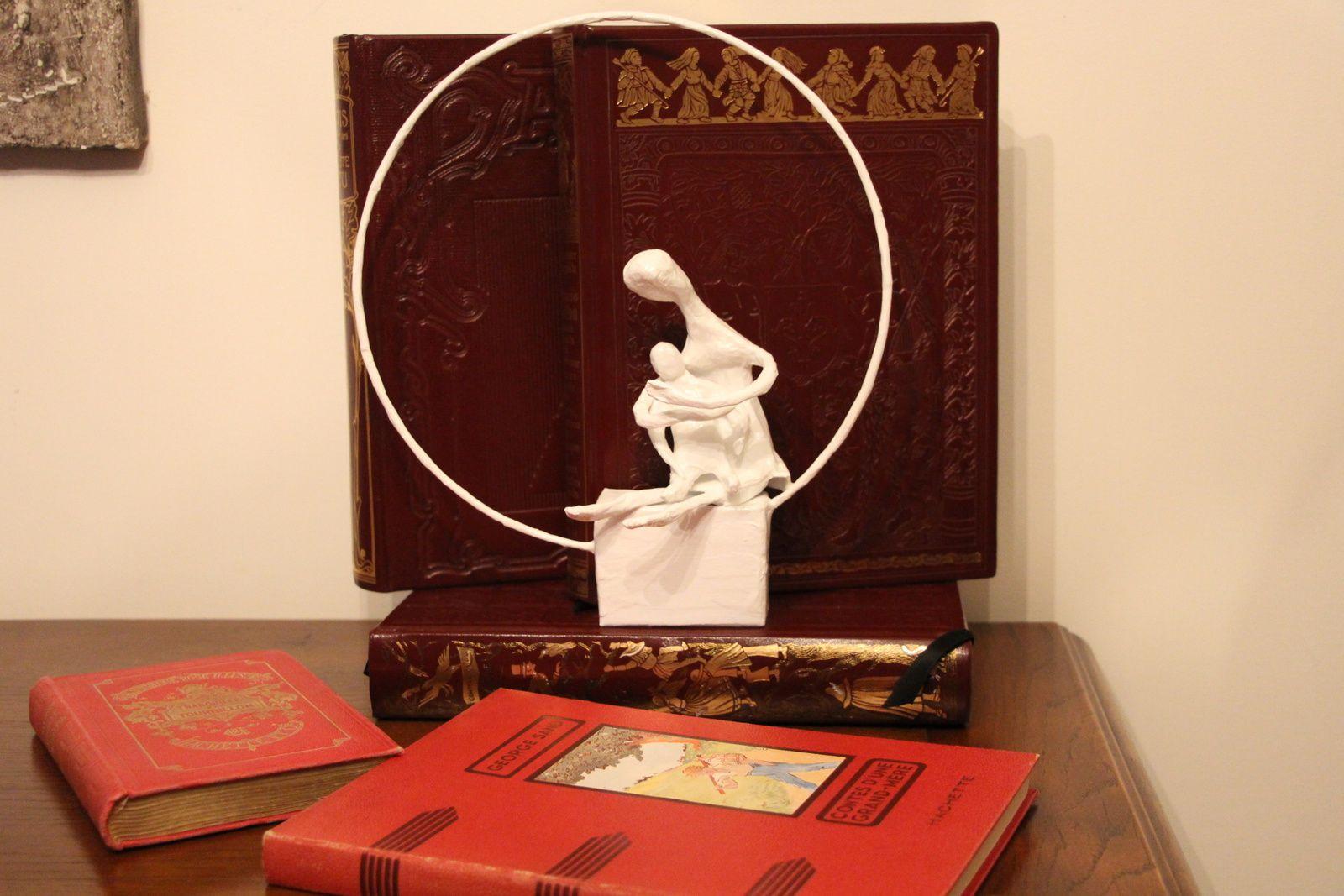 """""""Hymne à l'enfant"""", sculpture papier mâché, exemplaire unique eMmA MessanA"""