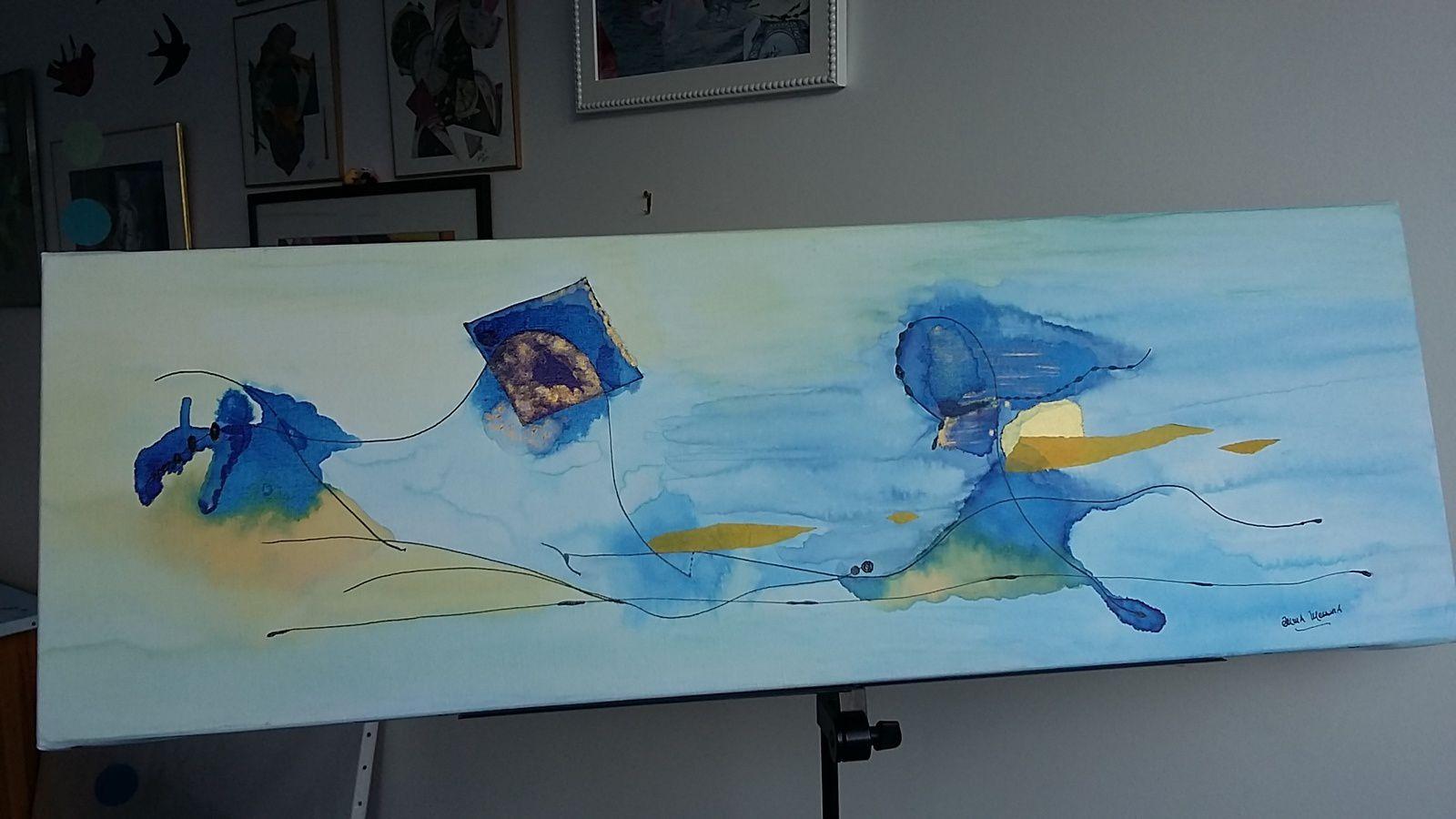 """Posé sur un pupitre de musicien dans mon atelier de Saint-Urbain, collage/encres """"Voyage à contre-courant"""", pièce unique © eMmA MessanA"""