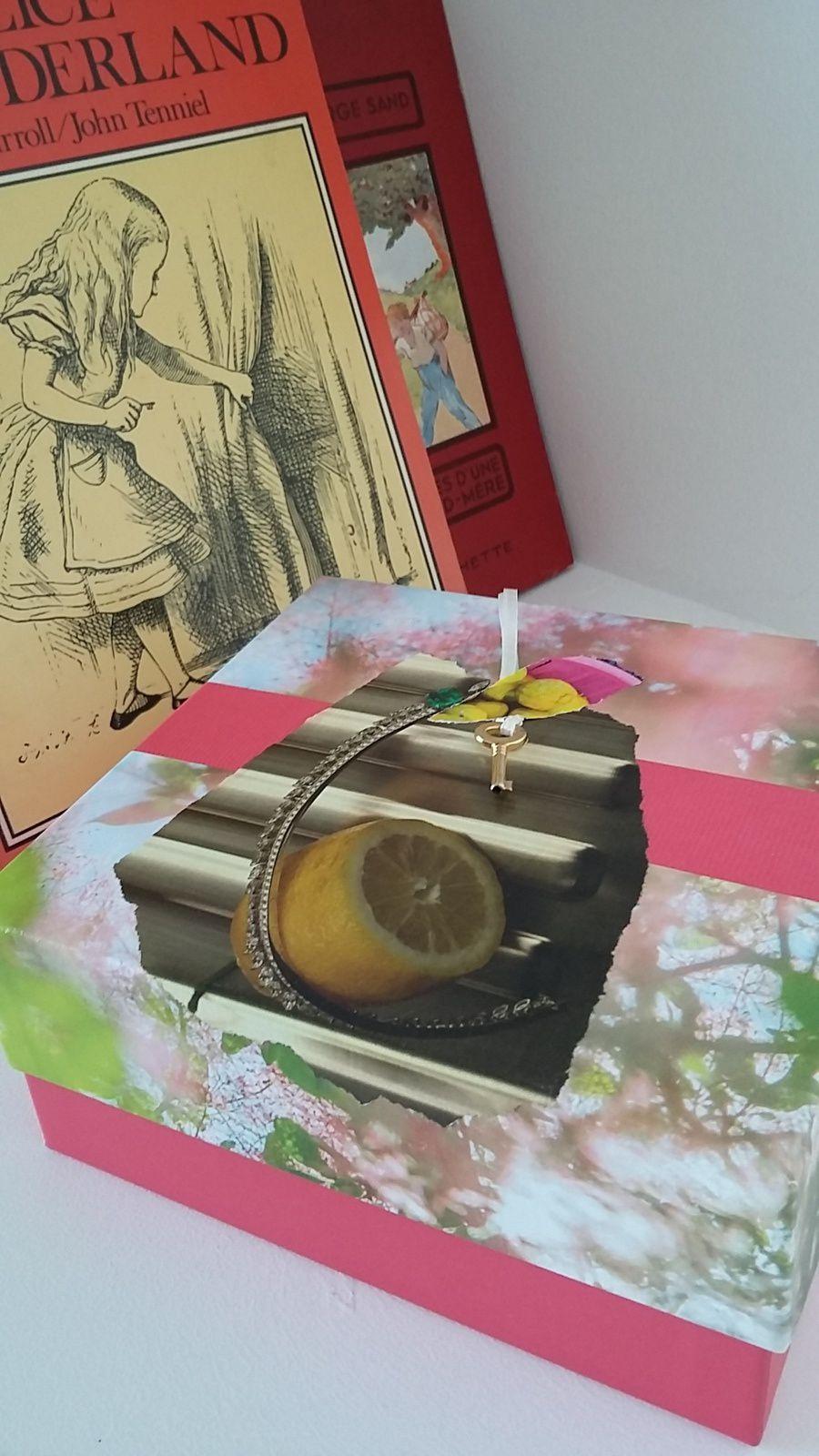 """Les Collages d'eMmA MessanA, collage  """"Boîte à inventer"""", pièce unique © eMmA MessanA"""