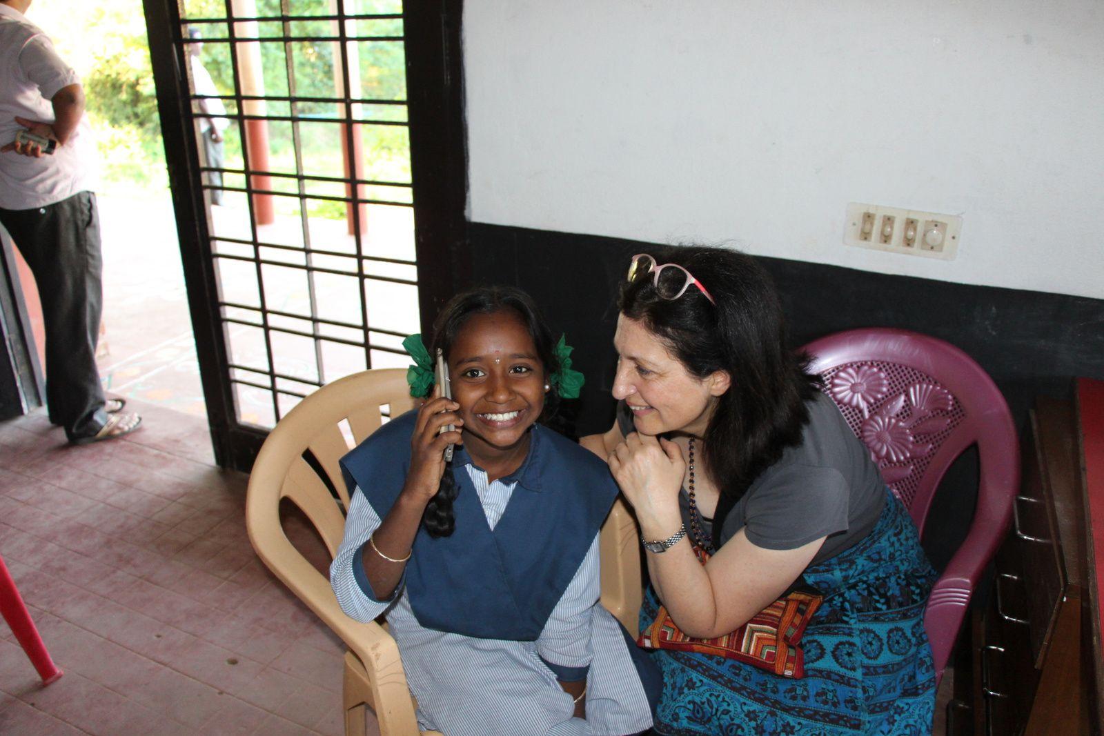 Malathi et eMmA MessanA à Apres School près de Pondichéry, février 2017
