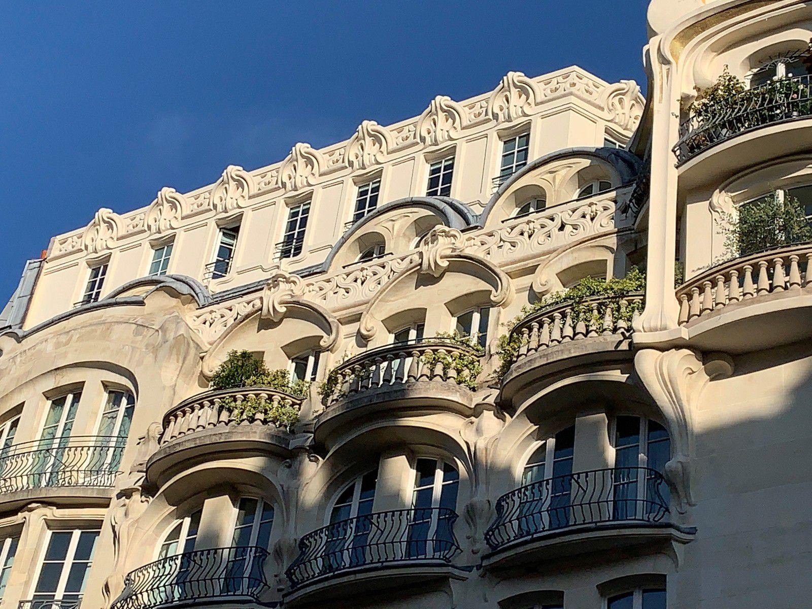 L'immeuble Félix Potin rue de Rennes à Paris