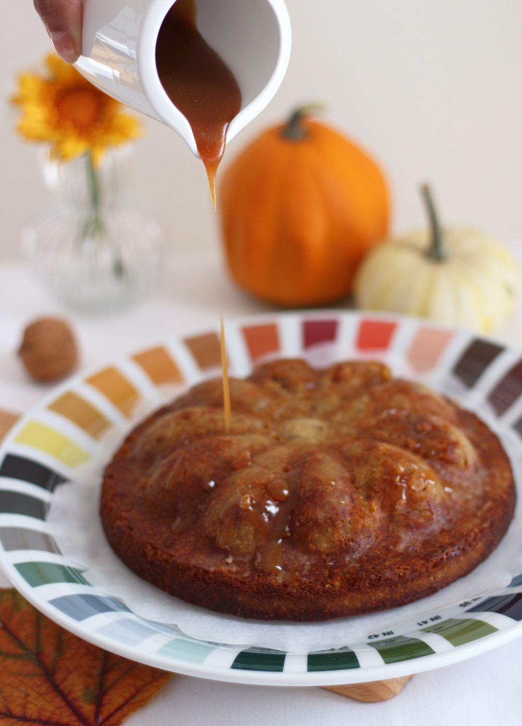 Cake automnal à la banane, châtaigne, zeste de clémentine & sa sauce caramel au beurre salé