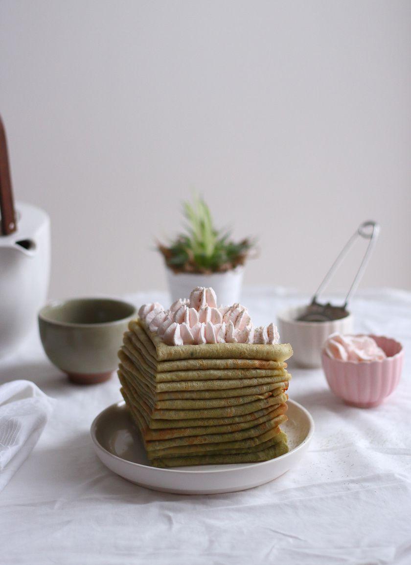 Crêpes au thé vert matcha et sa crème chantilly à la rose