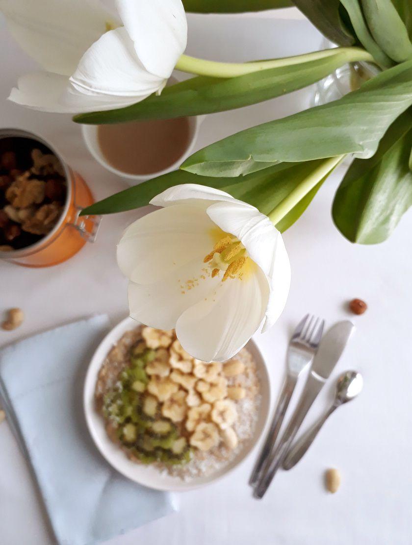 Oatmeal au lait de coco,banane et kiwi pour un breakfast vegan